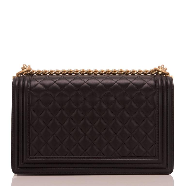 Chanel Black Lambskin New Medium Boy Bag In New never worn Condition For Sale In New York, NY
