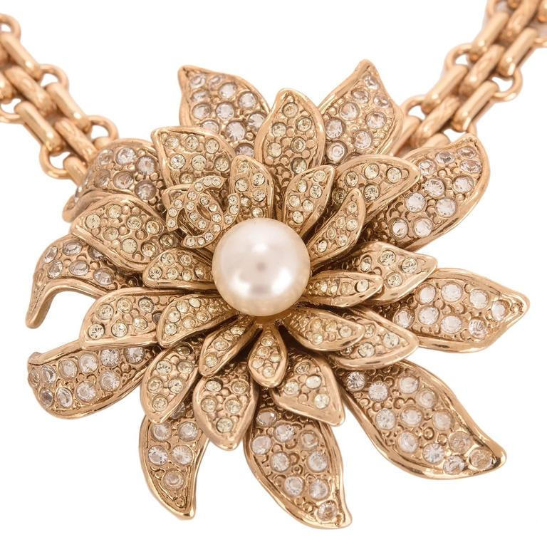 Chanel Gold Crystal and Pearl Camellia Flower Pendant Choker In Excellent Condition For Sale In New York, NY