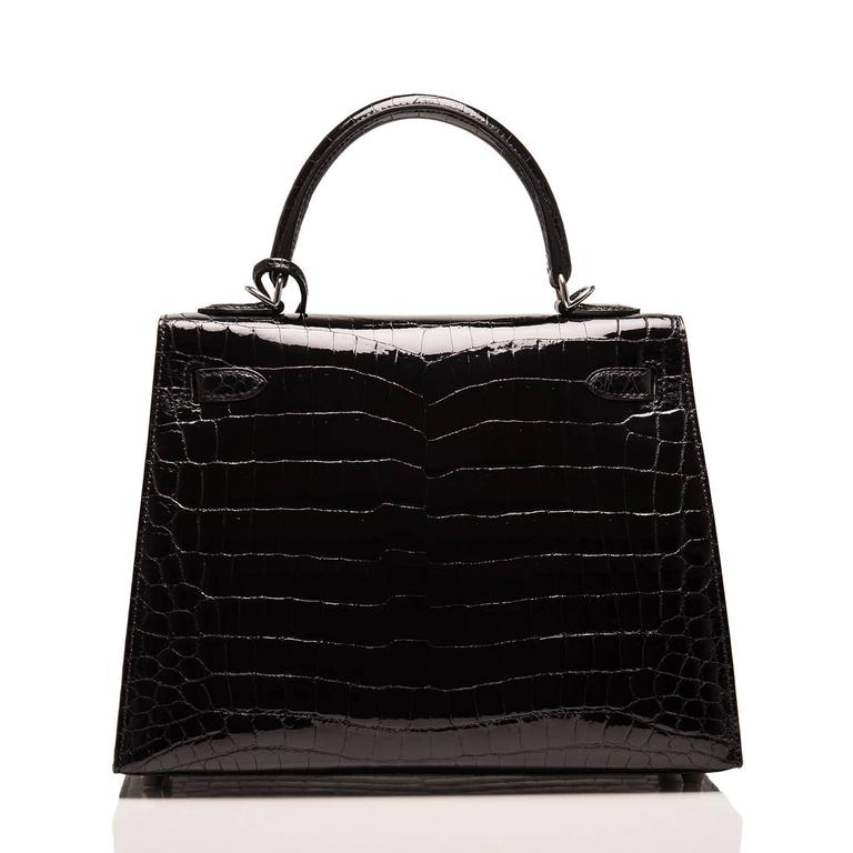 Hermes Black Shiny Niloticus Crocodile Kelly Sellier 25cm In New Never_worn Condition For Sale In New York, NY