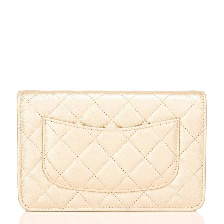 Chanel Gold Quilted Caviar Classic Wallet On Chain (WOC) In New Never_worn Condition For Sale In New York, NY