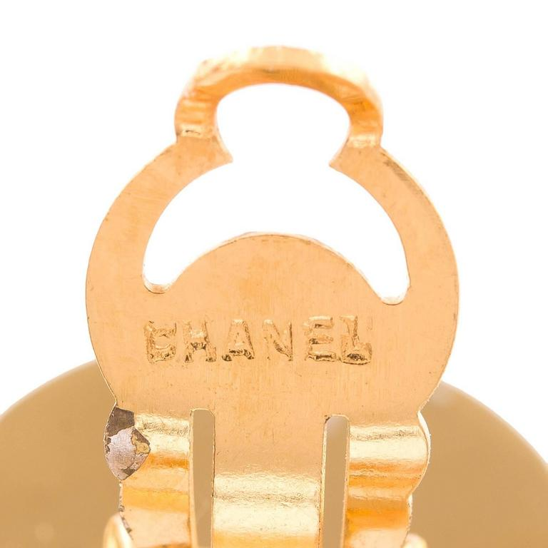 Chanel Vintage CC-Logo Hoop Clip On Earrings In Excellent Condition For Sale In New York, NY