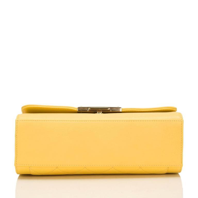 Chanel Yellow Caviar Medium Label Click Flap Bag NEW For Sale 1