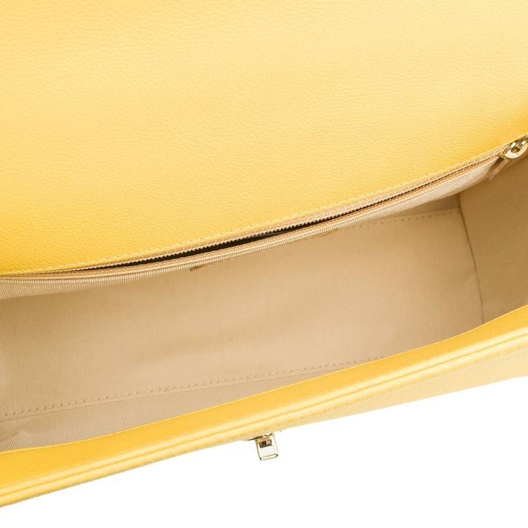 Chanel Yellow Caviar Medium Label Click Flap Bag NEW For Sale 3