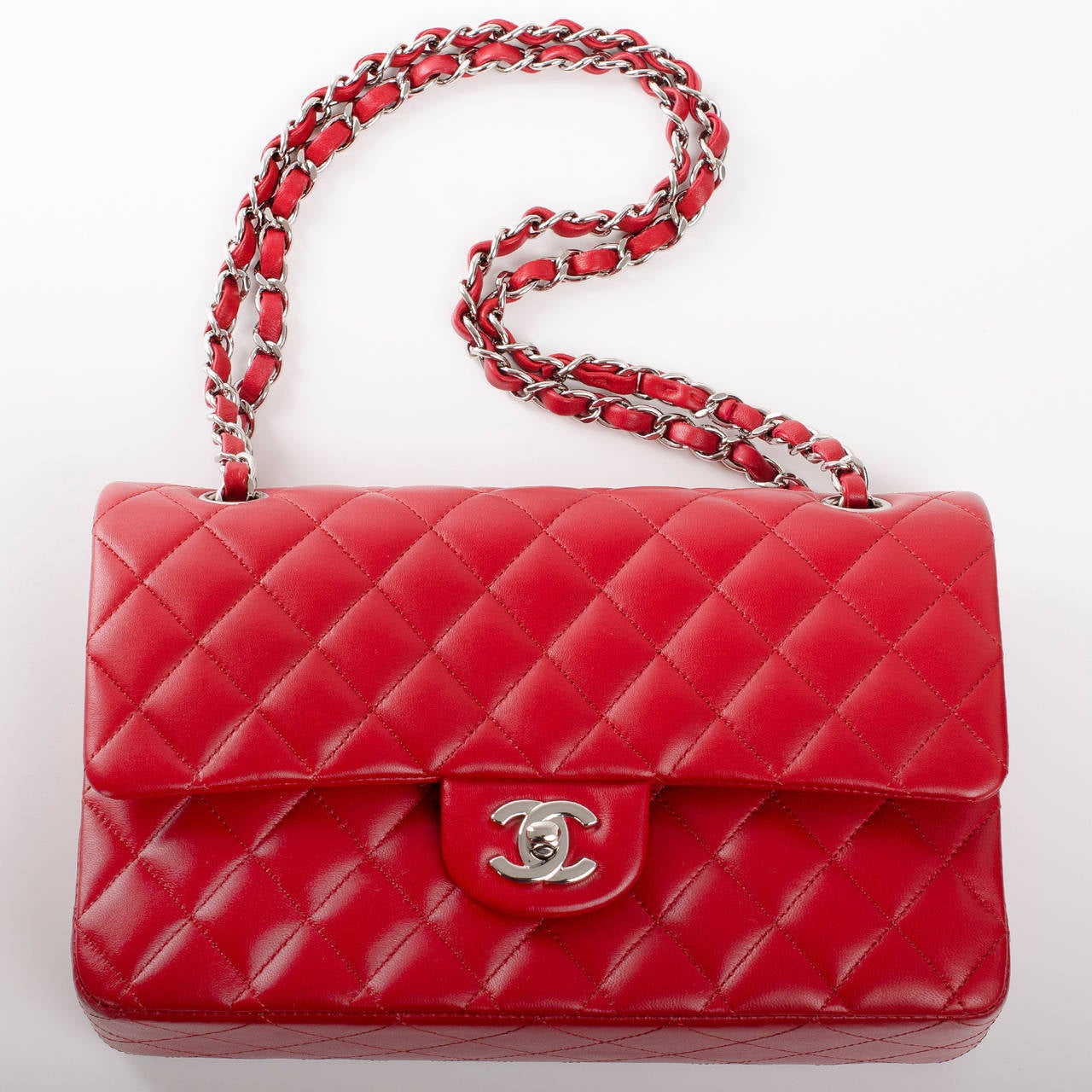 Chanel Red Quilted Lambskin Medium Classic Double Flap Bag For Sale 1