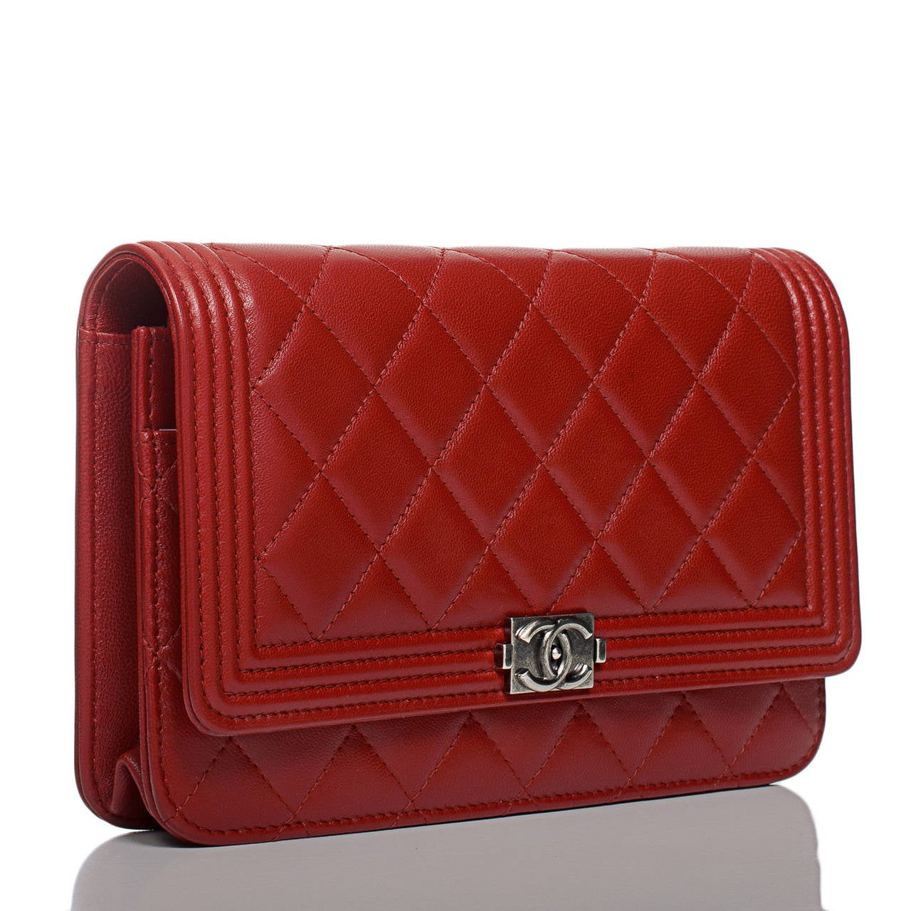 pics for gt chanel wallet on chain red