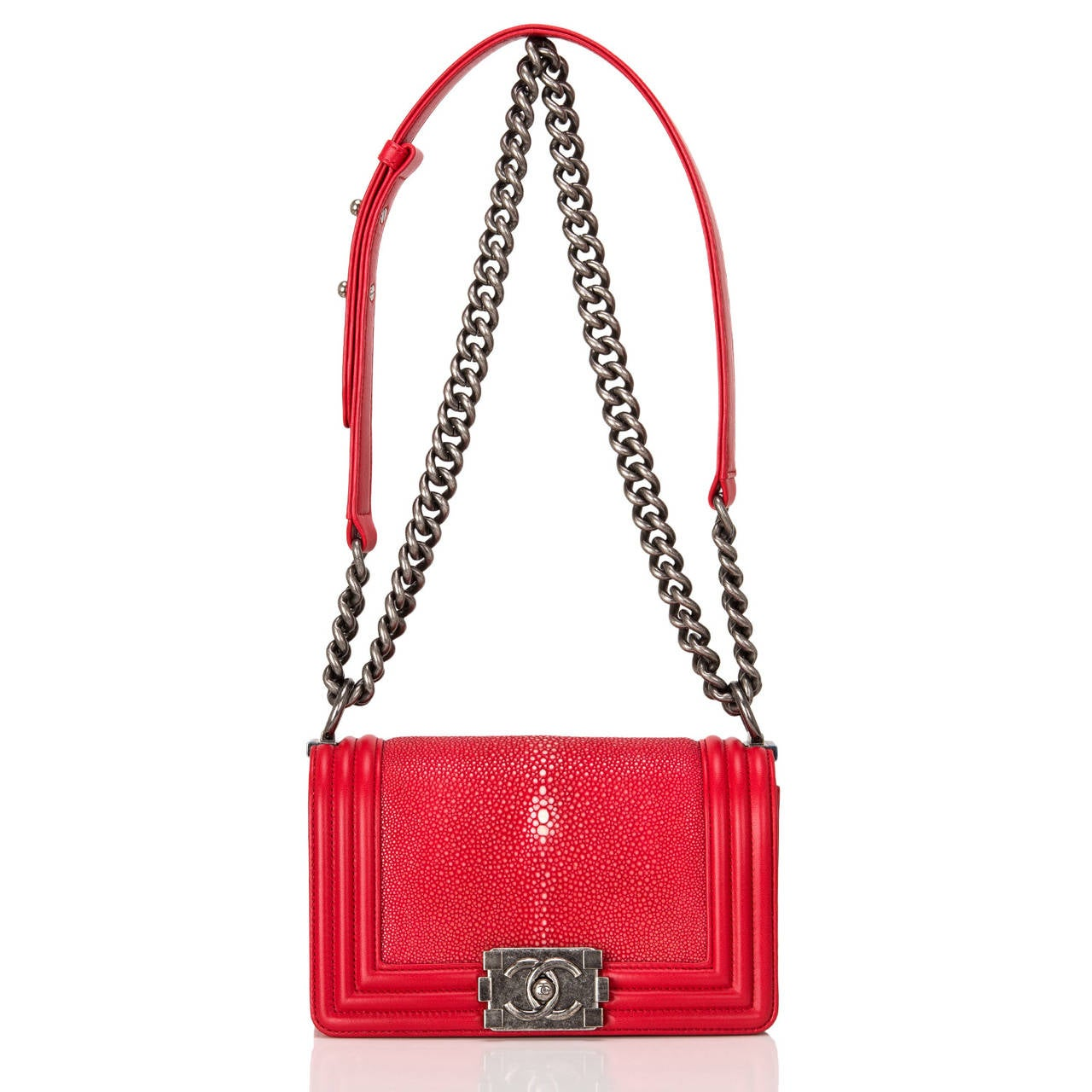 Chanel Red Stingray Small Boy Bag For Sale 1