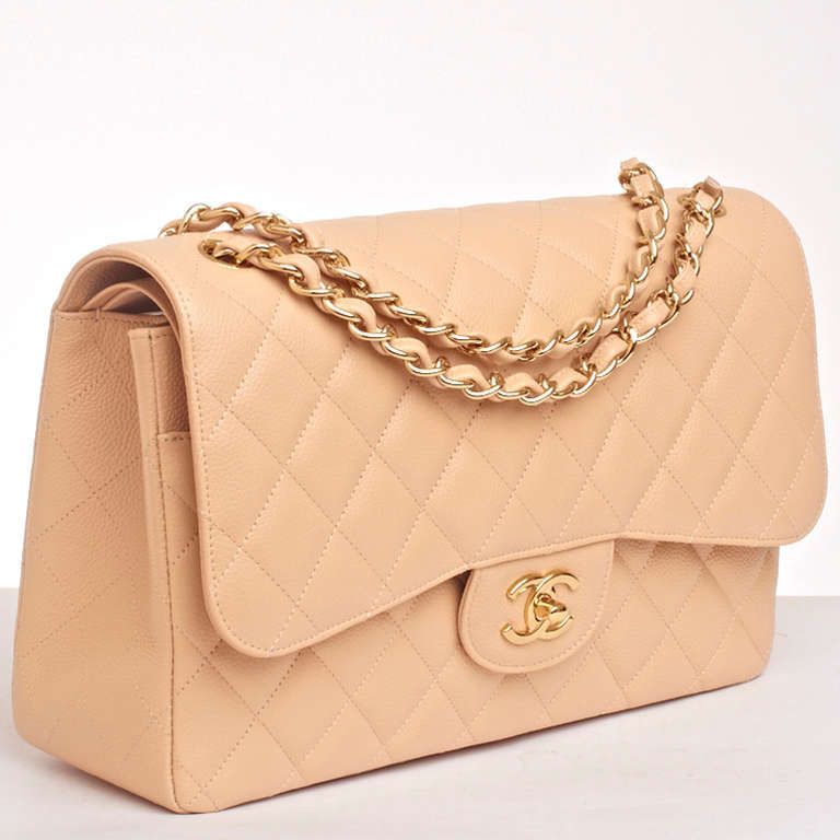 Chanel Beige Quilted Caviar Jumbo Classic 2.55 Double Flap Bag In New Never_worn Condition For Sale In New York, NY