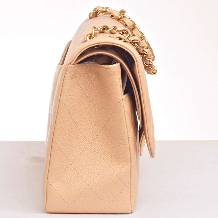 Women's Chanel Beige Quilted Caviar Jumbo Classic 2.55 Double Flap Bag For Sale
