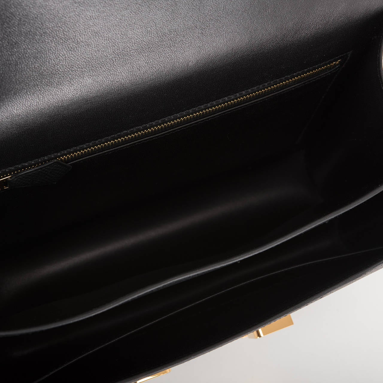 Hermes Black Epsom Constance 24cm Gold Hardware For Sale 2