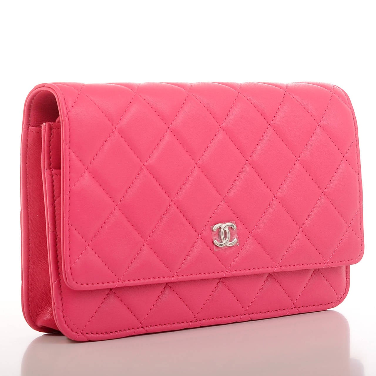Chanel Fuchsia Pink Classic Quilted Lambskin Wallet On Chain (WOC) In New never worn Condition For Sale In New York, NY