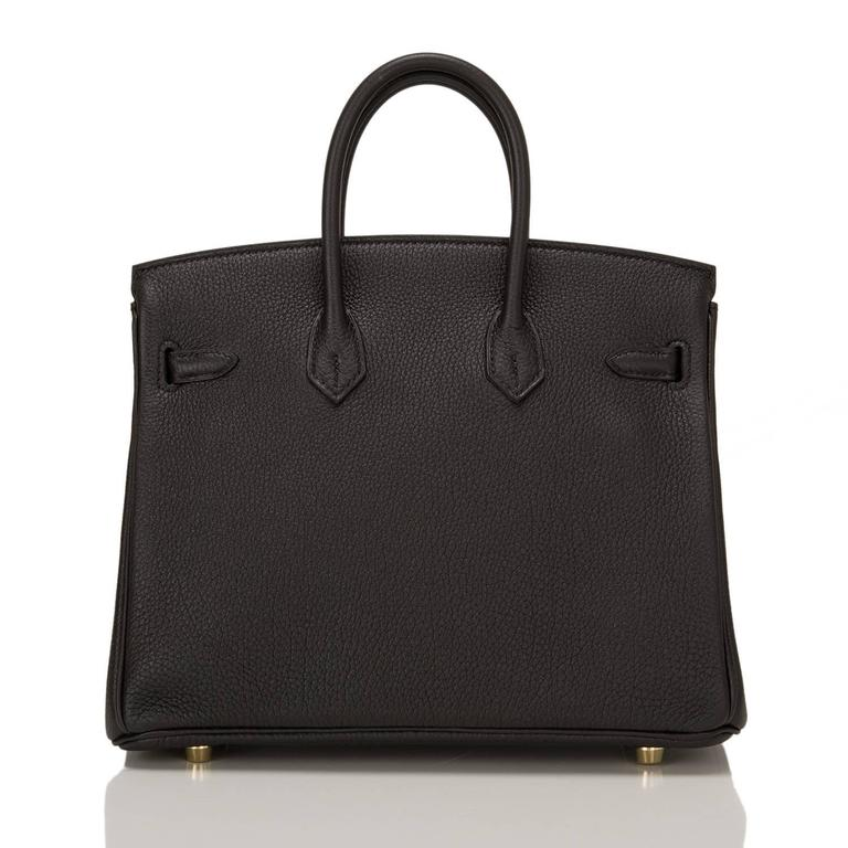 Hermes Black Togo Birkin 25cm Gold Hardware In New never worn Condition For Sale In New York, NY