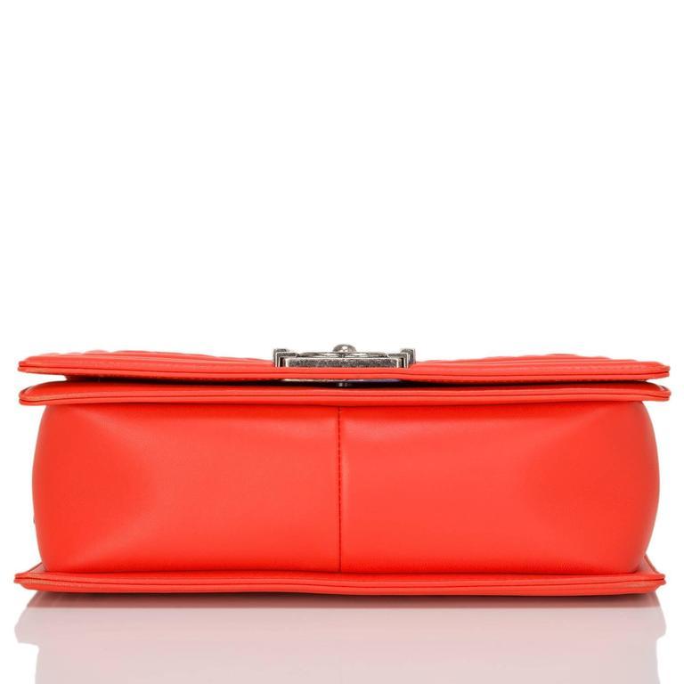 Chanel Orange Chevron Medium Boy Bag In New Never_worn Condition For Sale In New York, NY