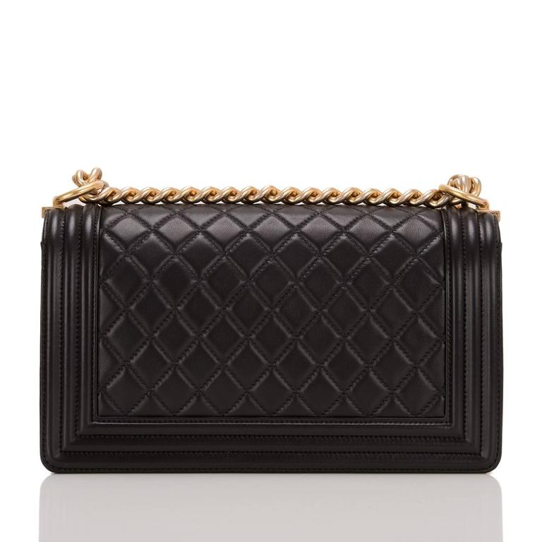 Chanel Black Quilted Calfskin Medium Boy Bag In New Never_worn Condition For Sale In New York, NY