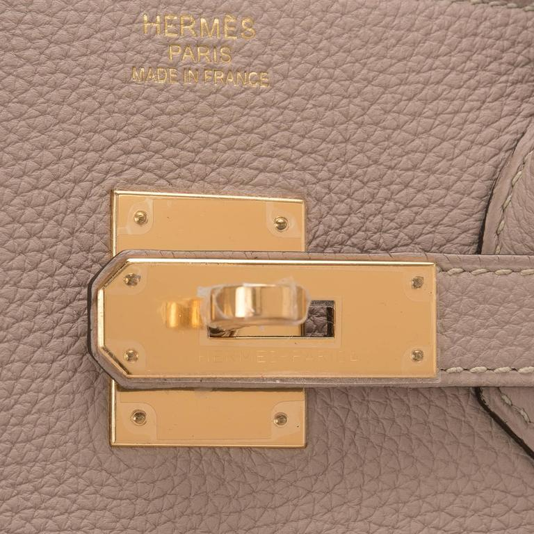 Hermes Gris Tourterelle Togo Birkin 35cm Gold Hardware For Sale 1