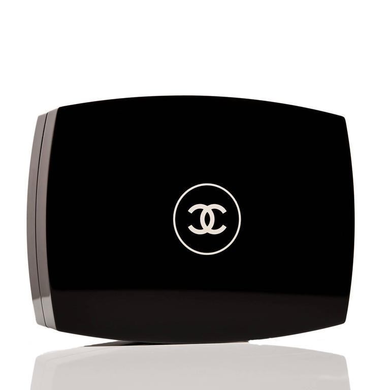 Chanel Limited Edition Black Compact Powder Minaudiere NEW In New Never_worn Condition For Sale In New York, NY