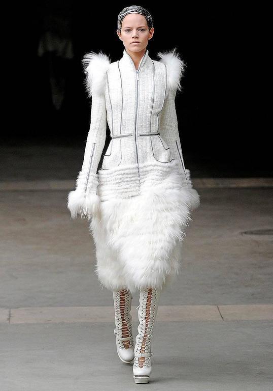 Alexander McQueen Fall 2011 Paris Collection White Mink Fur Coat 44 uk 12  2