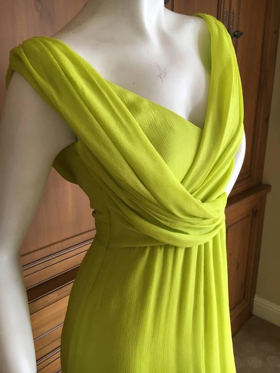 """Oscar de la Renta Neon Green Silk Chiffon Goddess Gown. Size 0 Bust 34"""" Waist 24"""" Hips 36"""" Length 62"""" Excellent condition"""