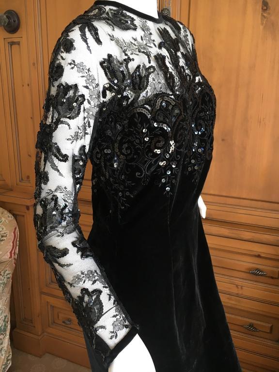 Oscar de la Renta Vintage Velvet Cocktail Dress with Sequin Lace Details In Excellent Condition For Sale In San Francisco, CA