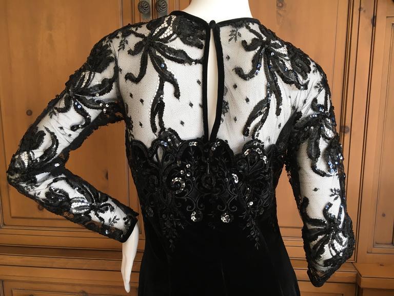 Oscar de la Renta Vintage Velvet Cocktail Dress with Sequin Lace Details For Sale 2