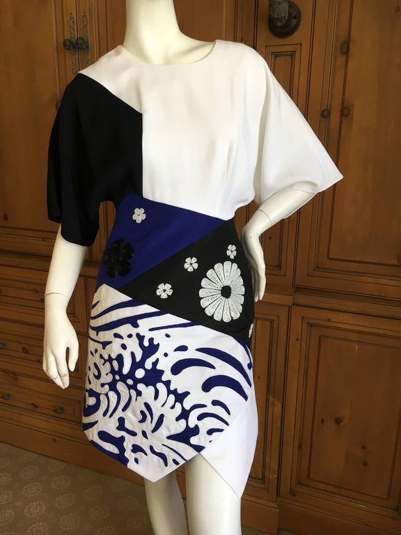 Andrew Gn Graphic Short Sleeve Dress In Good Condition For Sale In San Francisco, CA