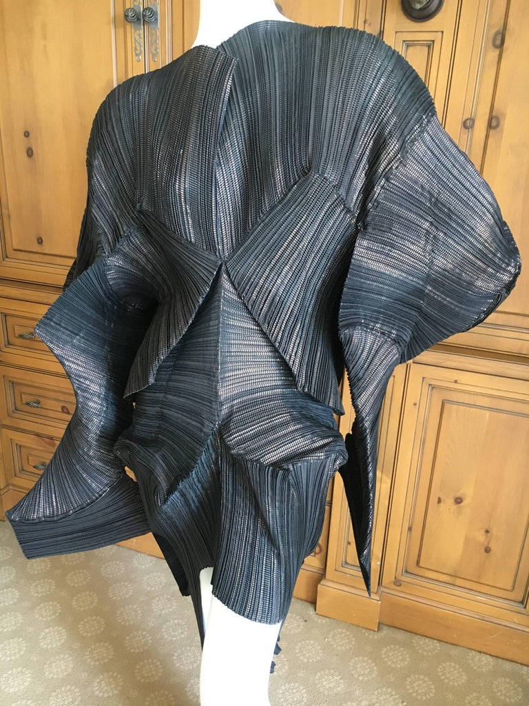 """Issey Miyake Important Museum Exhibited 1980's Sculptural Black """"Escargot"""" Dress. This is amazing, must be seen to be appreciated.  Last photo shows this dress at a Museum exhibition, the dress is titled """"Escargot"""". One size fits"""