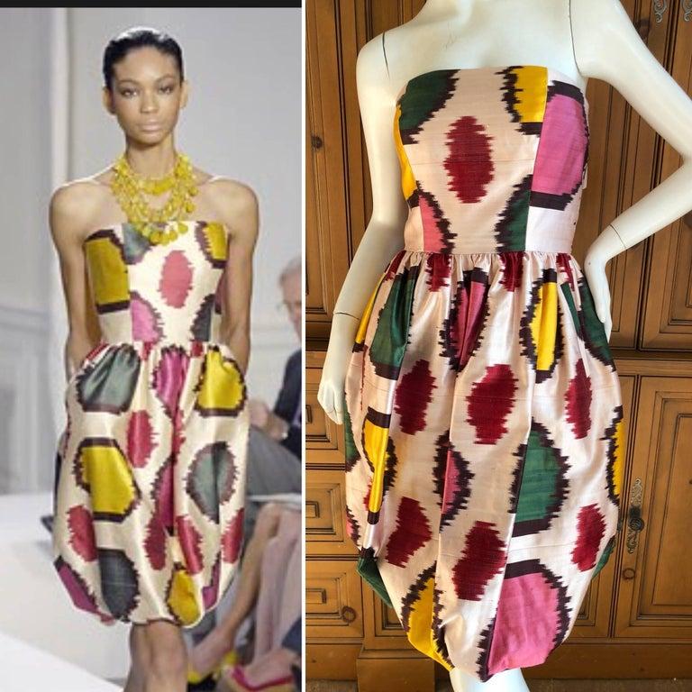 Oscar de la Renta Silk Blend Ikat Print Strapless Cocktail Dress Sz 4 2008 For Sale 1