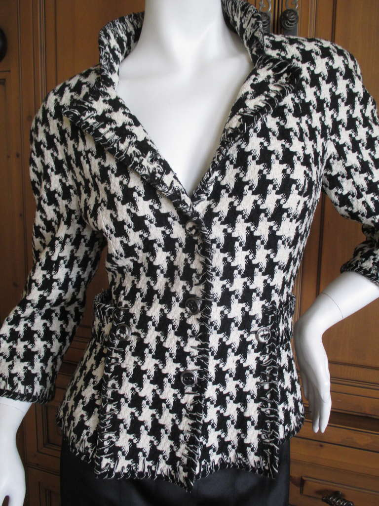Chanel Classic Black and White Houndstooth Tweed Jacket 2