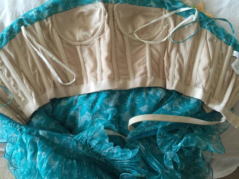 Oscar de la Renta Turquoise Vintage Ruffled Evening Gown For Sale 3