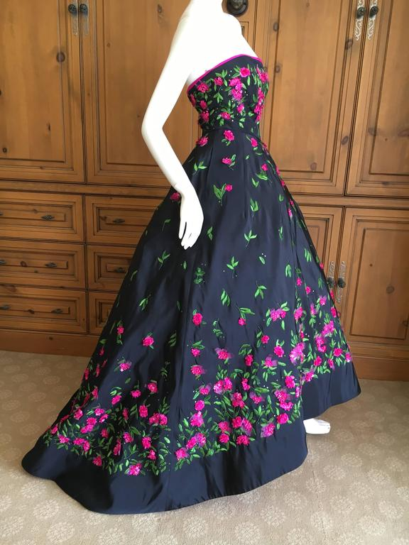 Oscar de la Renta Black Evening Gown with Floral  Embroidery For Sale 1