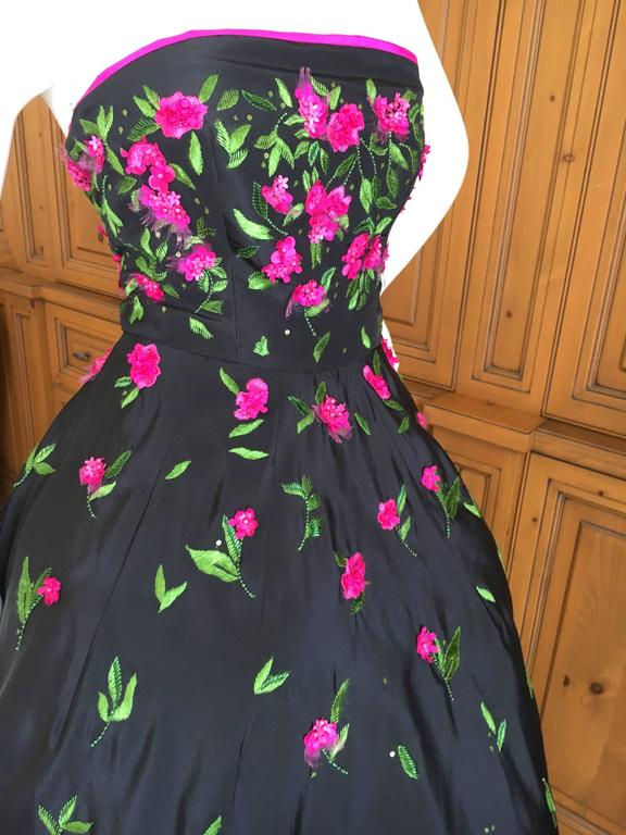 Oscar de la Renta Black Evening Gown with Floral  Embroidery For Sale 2