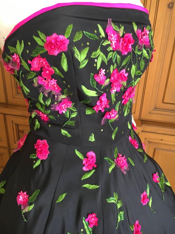 Oscar de la Renta Black Evening Gown with Floral  Embroidery For Sale 5