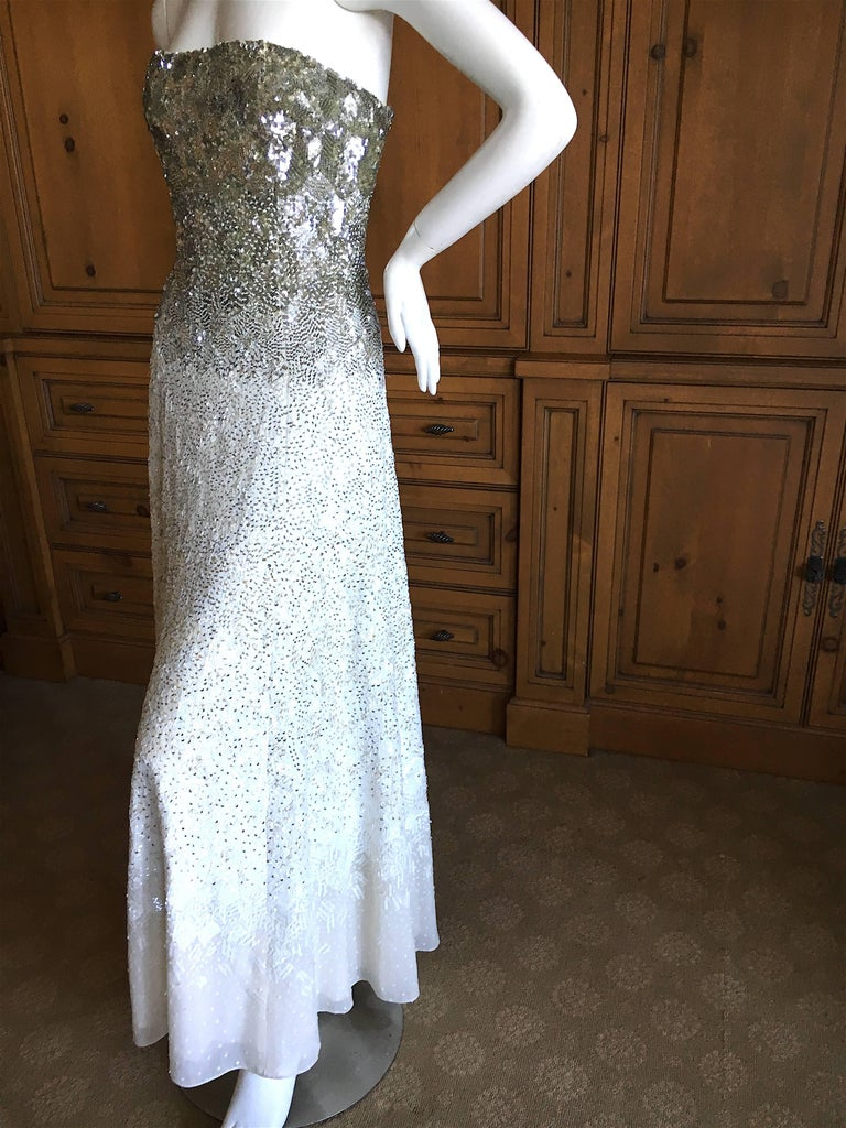 """Oscar de la Renta Strapless Silver & White Sequin Evening Dress with Built in Corset. This is extraordinary, the photos don't capture this completely embellished evening dress. Size 0 Bust 33"""" Waist 24"""" HIps 44"""" Length"""