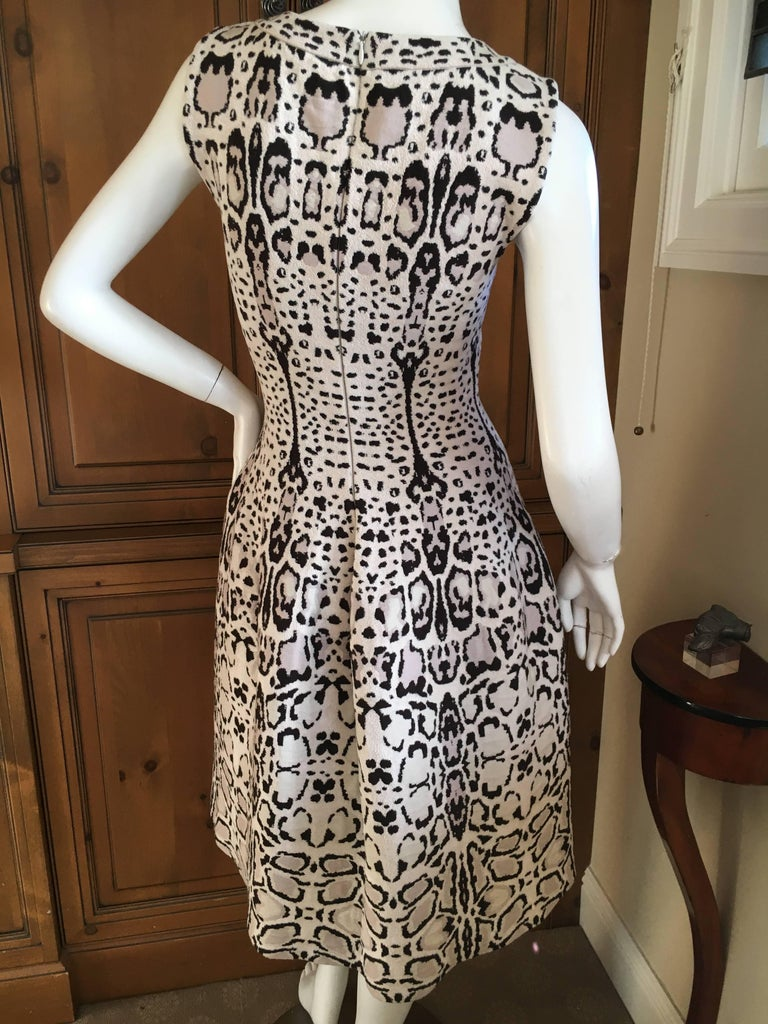 Azzedine Alaia Snow Leopard Sleeveless Dress Size 40  New In New Condition For Sale In San Francisco, CA