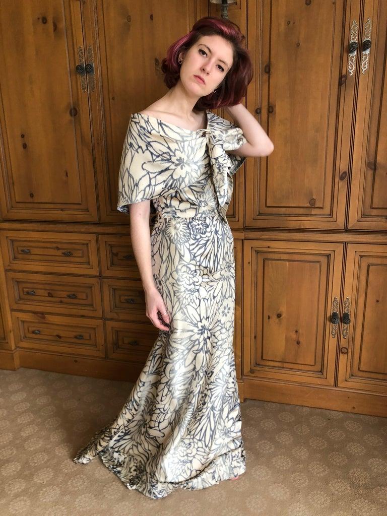 Oscar de la Renta for Bergdorf Goodman Strapless Silk Evening Dress with Shawl For Sale 8