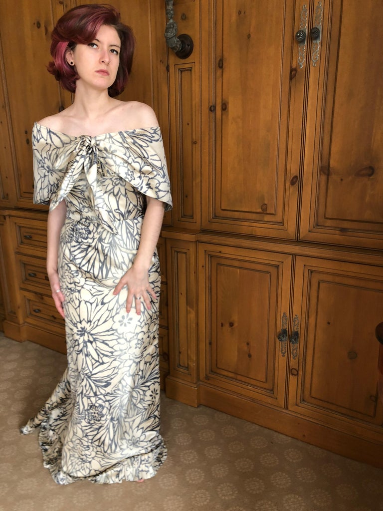 Oscar de la Renta for Bergdorf Goodman Strapless Silk Evening Dress with Shawl For Sale 10