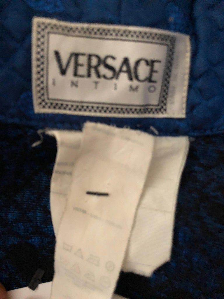 Gianni Versace Intimo 1980's Silk Butterfly Pattern Brocade Robe w Fringe Belt For Sale 3