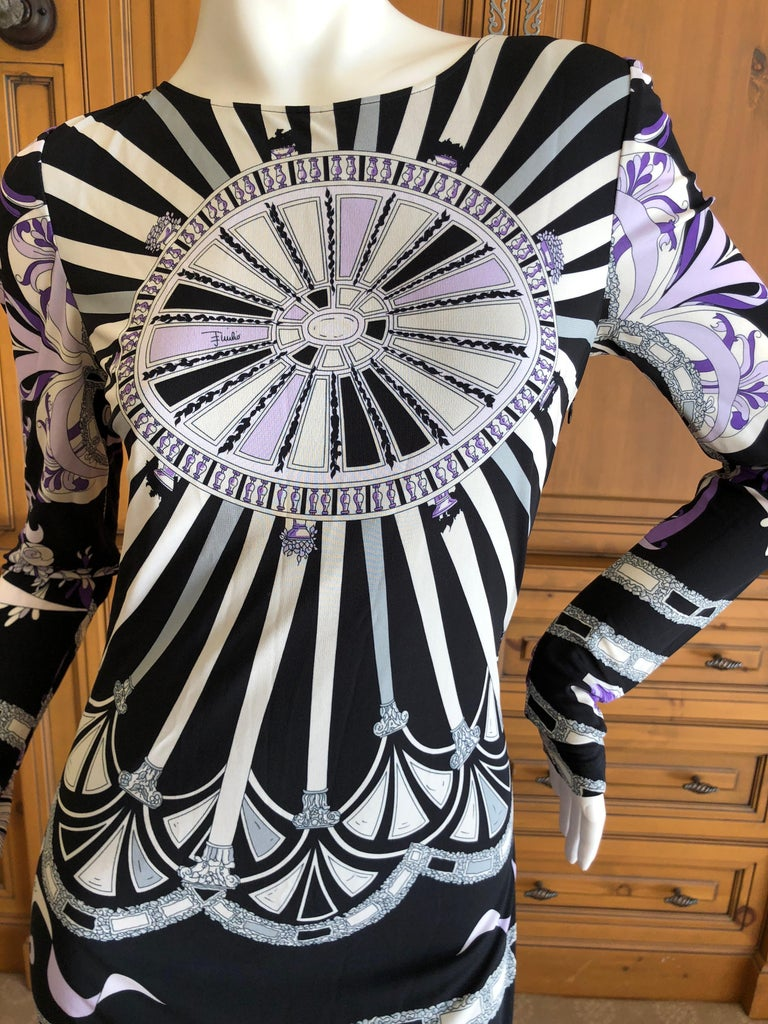 Emilio Pucci Long Evening Dress with Cut Out Back Size 44 In Excellent Condition For Sale In San Francisco, CA