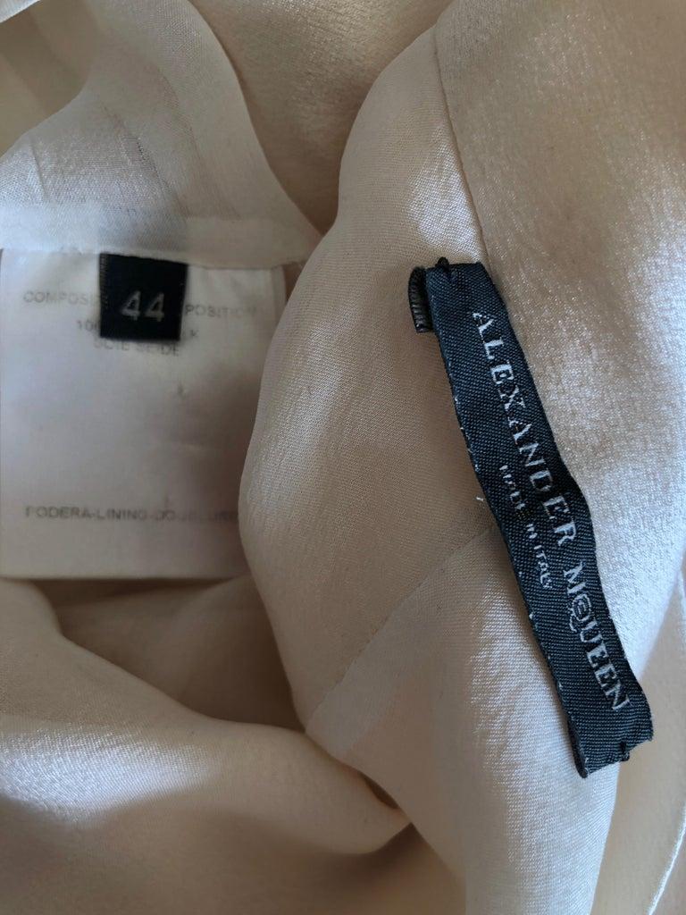 Alexander McQueen Daring Ivory Duchesse Silk Satin Evening or Wedding Dress For Sale 5