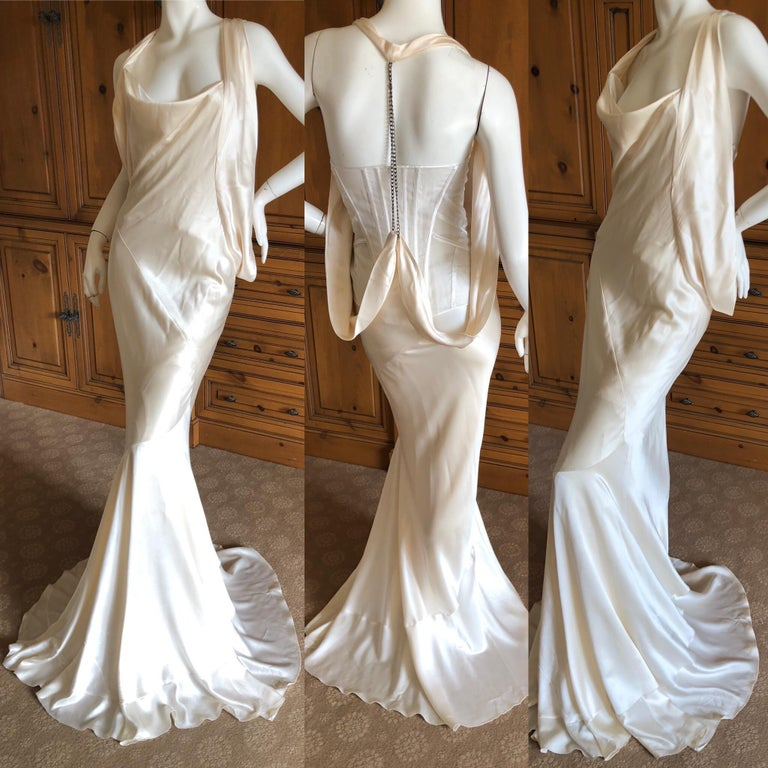 Alexander McQueen Daring Ivory Duchesse Silk Satin Evening or Wedding Dress For Sale 7
