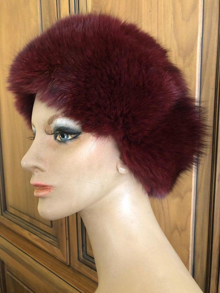 Women's or Men's Pierre Balmain Haute Couture Vintage Fox Fur Burgundy Hat For Sale