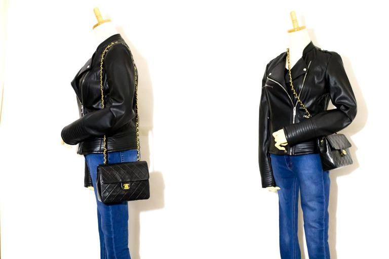 CHANEL Mini Small Chain Shoulder Bag Crossbody Black Quilted Flap  7