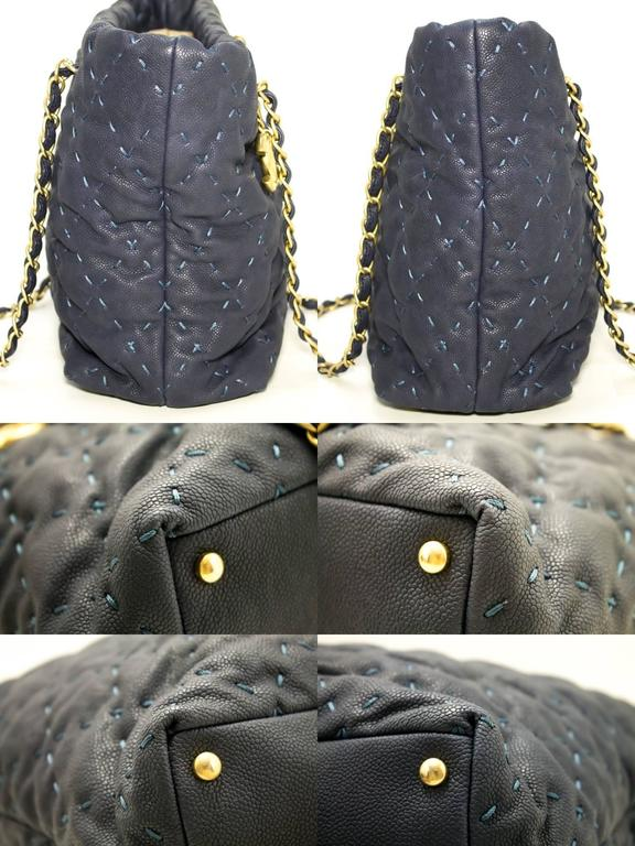Women's CHANEL 2011 Caviar Chain Shoulder Bag Navy Quilted Leather Stitch  For Sale