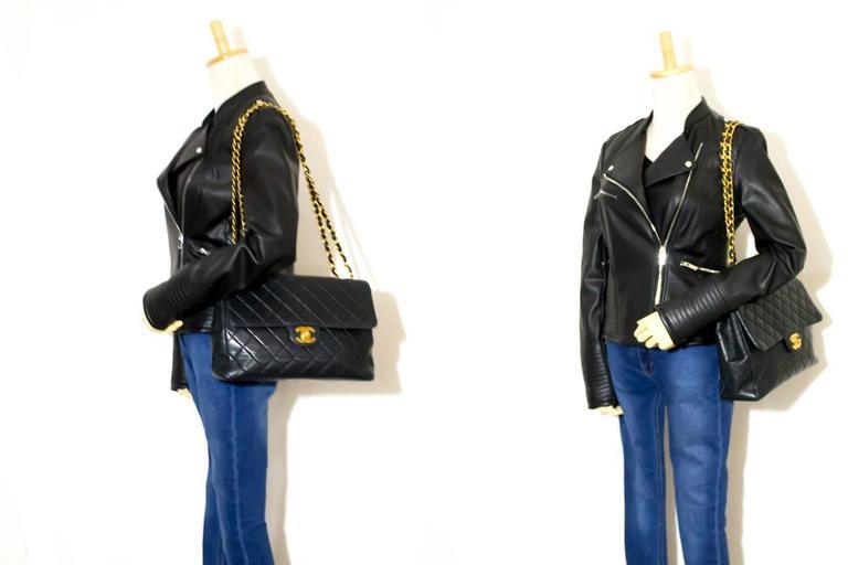 "CHANEL Jumbo 11"" Large Chain Shoulder Bag Crossbody Black Flap  For Sale 3"