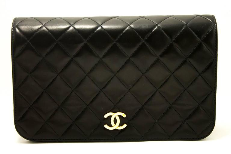 CHANEL Chain Shoulder Bag Clutch Black Quilted Flap Lambskin Purse  2
