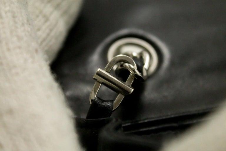 8e8e2224f2107 CHANEL 25cm Kette Umhängetasche schwarz gesteppt einzelne Lasche Leder SV 17