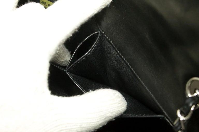b794fc931e83d CHANEL 25cm Kette Umhängetasche schwarz gesteppt einzelne Lasche Leder SV 19