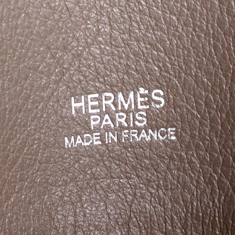 Hermes Victoria 2 Tote in Warm Grey Togo Leather In Excellent Condition For Sale In Los Angeles, CA