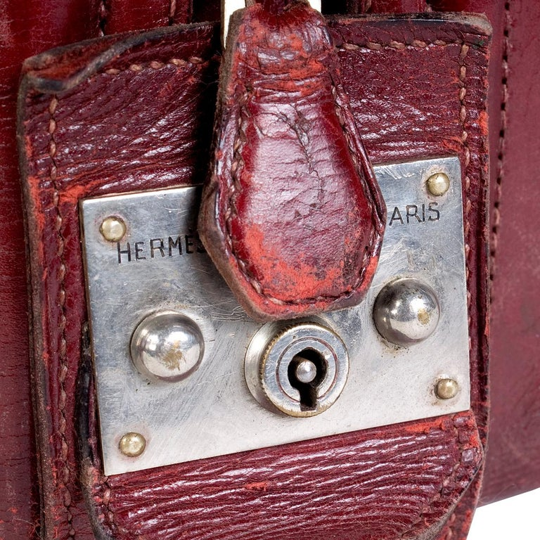 Hermes Burgundy Leather Long Travel Bag In Good Condition For Sale In Los Angeles, CA