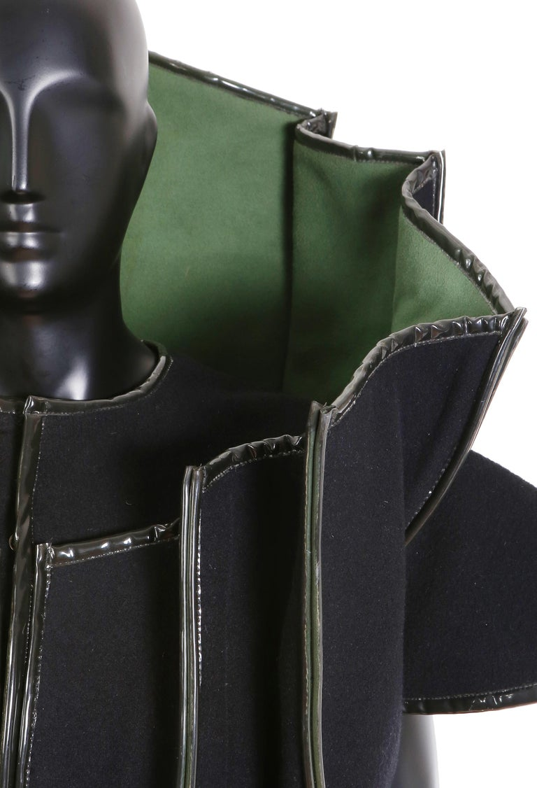 Women's or Men's Paco Rabanne Couture Black and Green Architectural and Structured Jacket For Sale