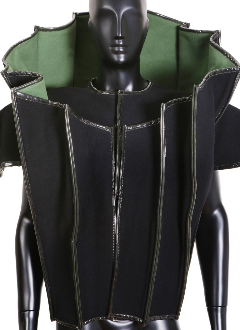 Paco Rabanne Couture Black and Green Architectural and Structured Jacket For Sale 1